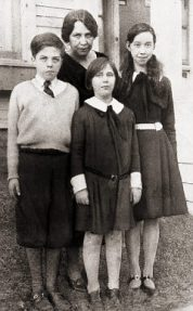 Asta Eicher and her children