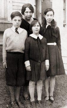 Asta Eicher and her children