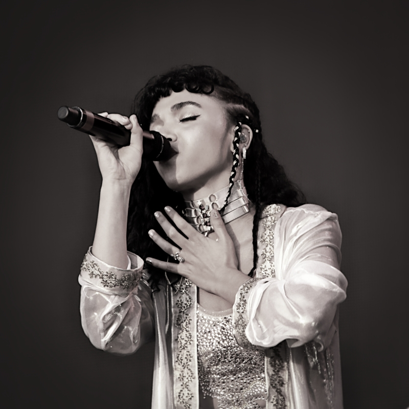 FKA Twigs, West Holts Stage, Glastonbury Festival 2015