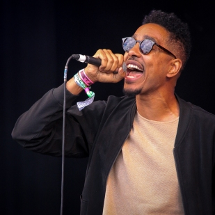 Oddises and Good Company:GlastonburyFestival:JohnKerridge3